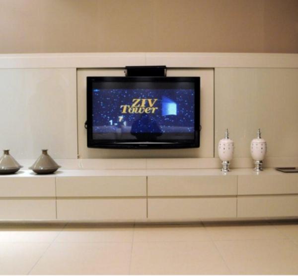 ZIV TOWE | דירה לדוגמה